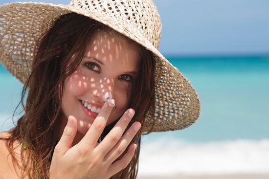 Đừng quên chống nắng nếu không da sẽ bị tổn thương đấy!