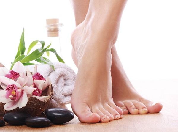 Kiễng chân là một động tác tập thể dục giúp giảm size bắp chân