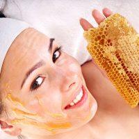 Sử dụng mât ong để dưỡng da mỗi ngày là giải pháp tự nhiên rất an toàn