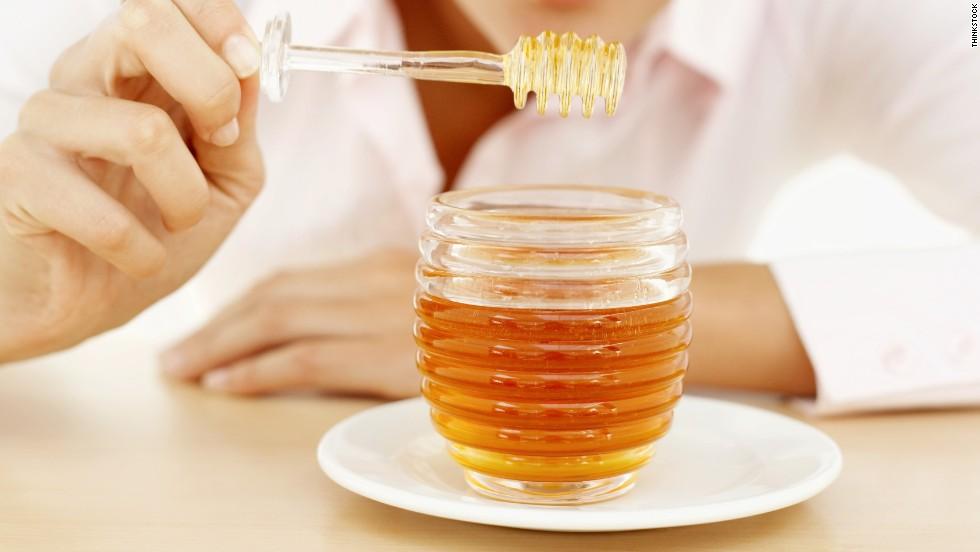 Nên dùng mật ong thô, mật ong hữu cơ nguyên chất để đảm bảo an toàn cho da
