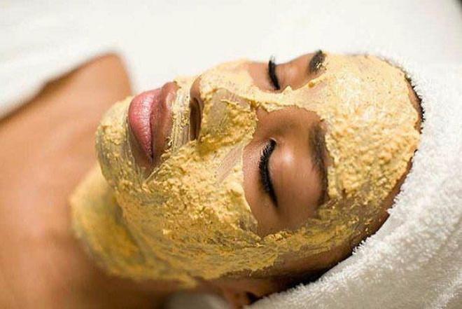 Đắp mặt nạ làm đẹp da từ quả chuối