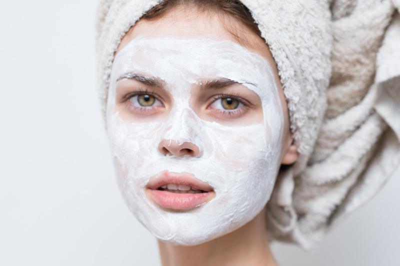 Nên dùng sữa chua nguyên chất không đường dành cho da mặtNên dùng sữa chua nguyên chất không đường dành cho da mặt