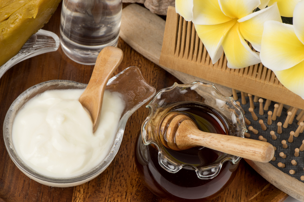 Dùng sữa chua và mật ong để ngăn ngừa lão hóa da