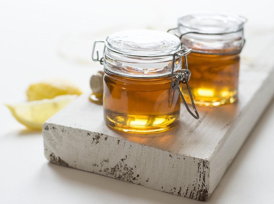 Dùng mật ong để dưỡng da rất tốt