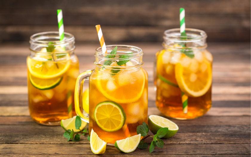 Uống nước chanh pha mật ong giúp bạn làm đẹp từ trong ra ngoài