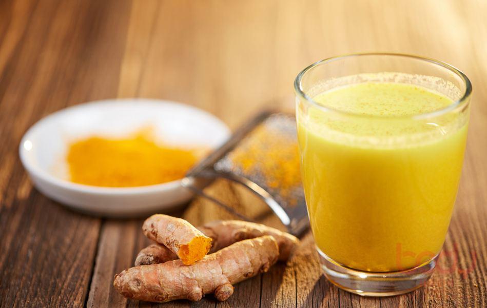 Uống bột nghệ có nhiều tác dụng tốt cho sức khỏe