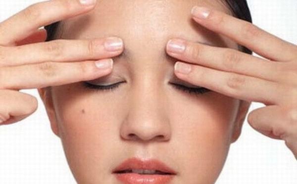 hậu quả của việc cắt mí mắt