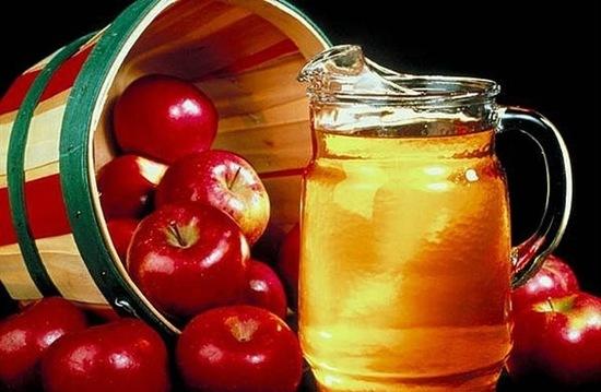 Giám táo chứa nhiều acid acetic, nhiều protein, enzyme, chất chống oxy hóa, acid amin và các loại viamin khác nhau có nhiều công dụng làm đẹp tuyệt vời