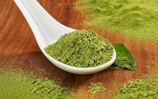 """Bột trà xanh từ lâu đã nổi tiếng là nguyên liệu làm đẹp da """"thần thánh"""" của chị em"""