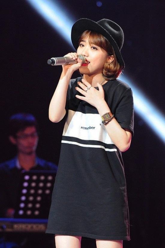 Khánh Linh từng là cô gái nhỏ bé với vẻ ngoài dễ thương, trong sáng