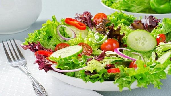 Khắc phục bắp chân to với chế đọ dinh dưỡng nhiều rau xanh
