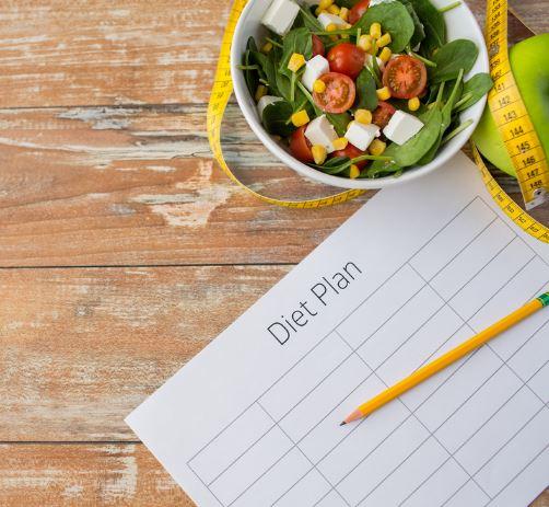 Thưc hiện chế độ ăn kiêng giúp giảm béo mặt hiệu quả hơn
